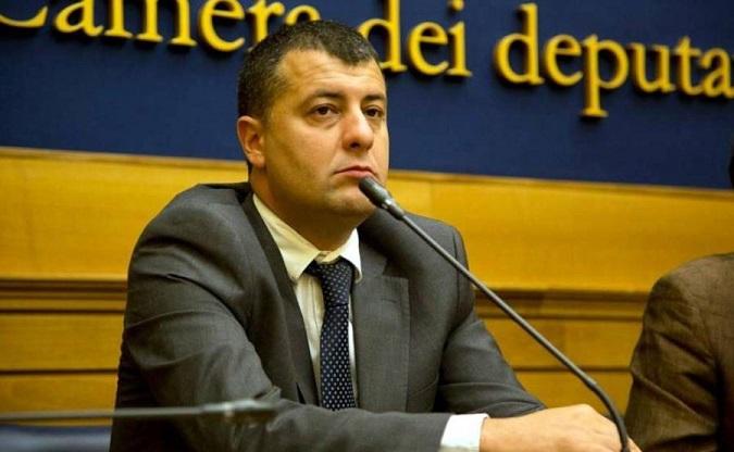 Torre del Greco, raid in casa Scotto: sventrata cassaforte dal muro a casa del papà del parlamentare di Mdp