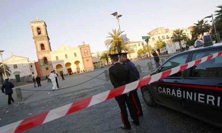 Chiedono il pizzo per conto del clan Birra a Ercolano: arrestati tre estorsori