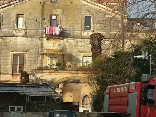 San Giorgio a Cremano – Sospeso lo sgombero degli occupanti di Villa Anna