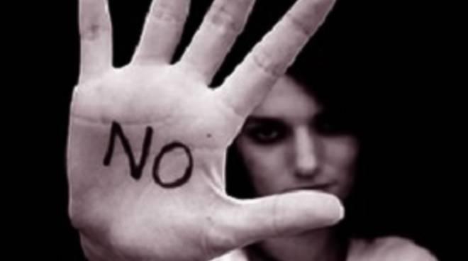 Contro la violenza sulle donne: a Pollena Trocchia un dibattito per affrontare la questione con politici, sociologi e giornalisti