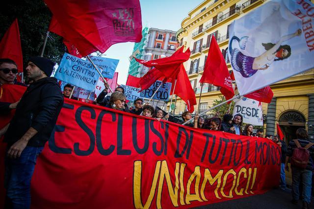 La Marcia degli esclusi a Napoli: contro lo sfruttamento e la condizione di precarietà