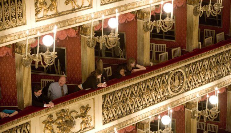"""In occasione dell'anniversario della nascita del Teatro San Carlo, sabato 4 novembre 2017 verrà presentata alle ore 20,00 la prima esecuzione moderna dell'opera """"L'Olimpiade"""" di Leonardo Leo"""