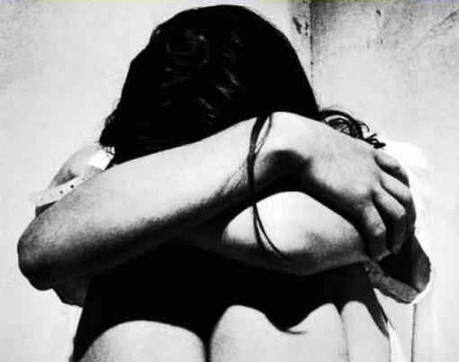 A Napoli la Polizia  arresta uno stalker, ha tentato di uccidere la sua ex compagna con una bottiglia di benzina