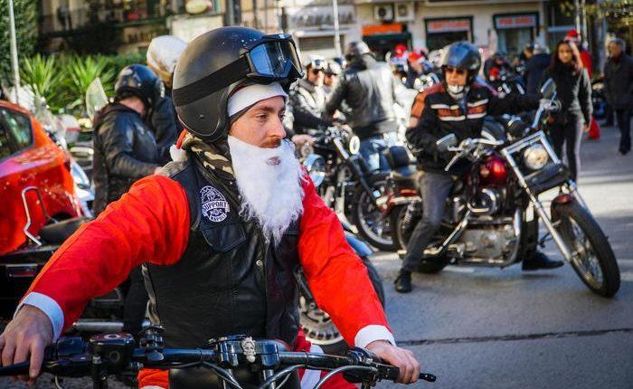 BabboBikers portano doni al Santobono abordo delle loro Harley-Davidson