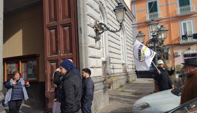 San Giorgio a Cremano – I cinque stelle si mobilitano contro le barriere architettoniche