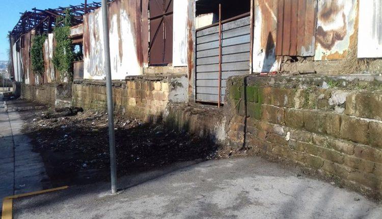 San Giorgio a Cremano – Liberati i marciapiedi antistanti l'ex Cartiera IPI Manzoni