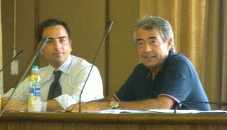 LA GUERRA DEGLI EX – A San Sebastiano è scontro tra Antonio Muccio e il leader dell'opposizione Gennaro Manzo