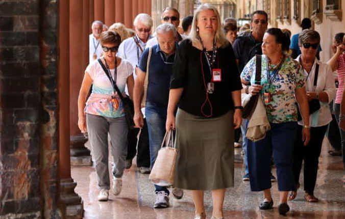 IL NONNETTO DOVE LO METTO – Anziani guide turistiche a Ercolano: daranno informazioni sulla storia della città