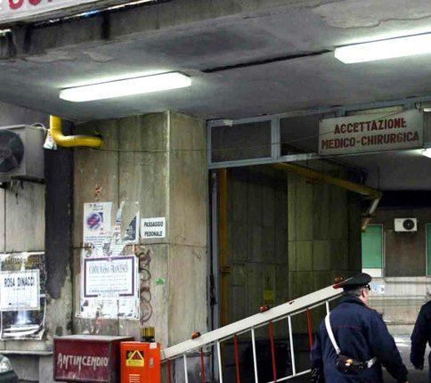 SANITA' ALLO SFASCIO – Topi morti all'Ascalesi, al Loreto Mare sospese le radiografie: macchinari rotti