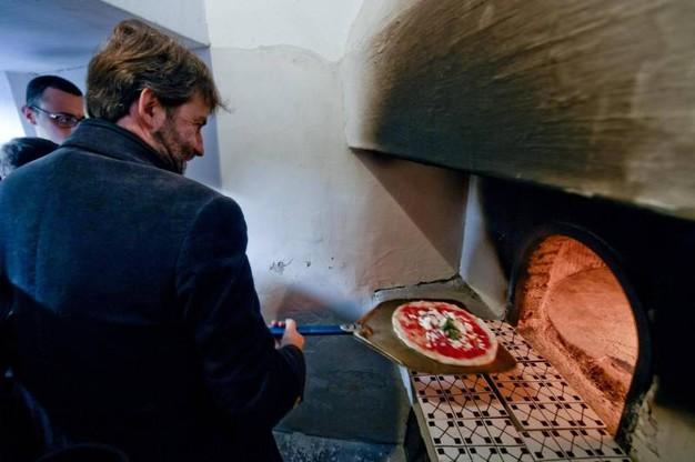 """LA PIZZA PATRIMONIO UNESCO – Lo annuncia il ministro Dario Franceschini: """"L'arte dei pizzaiuoli napoletani è Patrimonio Immateriale dell'Umanità"""""""