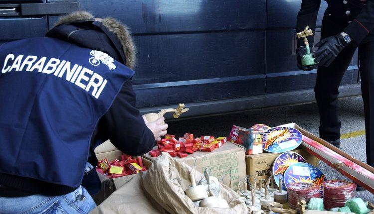 Trovato dai carabinieri di San Sebastiano al Vesuvio in auto con 227 chili di botti: denunciato 40enne di Ercolano