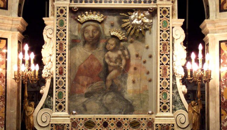 Al via a Madonna dell'Arco la terza edizione del Mercatino della Solidarietà 2017