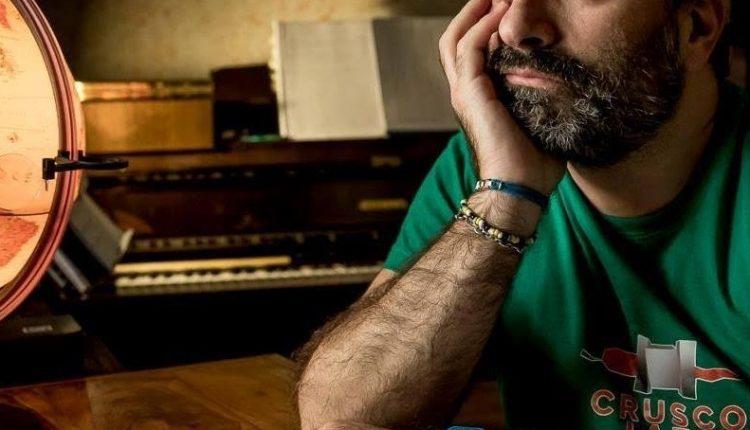 """Le parole e la musica di """"Ti presento Francesco"""", l'opera multimediale di Leonardo De Lorenzo sulla malattia e la disabilità di suo figlio, all'Auditorium Maria Aprea di Volla"""
