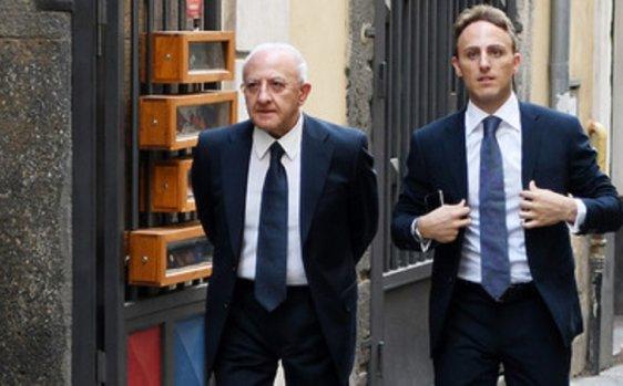 """INSALATE E FRITTURE DI PESCE – Pd, le candidature in Campania: ecco De Luca jr e l'""""uomo delle fritture"""" Alfieri"""