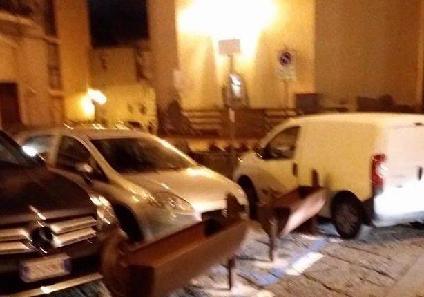 """A Sant'Anastasia l'opposizione comunale si schiera contro la """"piazzetta della movida"""" targata Abete. """"E' brutta e senza il parere della Sovrintendenza"""""""