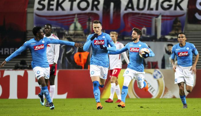 Europa League, il Napoli vince ma è fuori: gol di Zielinski e Insigne, pesa il 3 a 1 subito al San Paolo all'andata