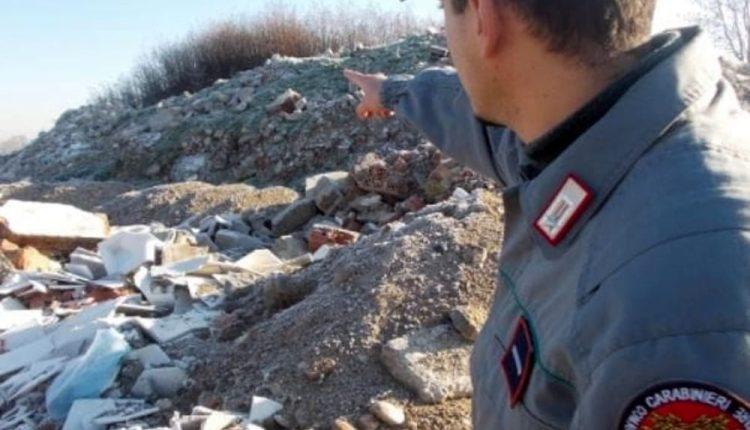 Maxi blitz con 35 unità nella Terra dei Fuochi ai piedi del Vesuvio: 100 uomini contro i rifiuti