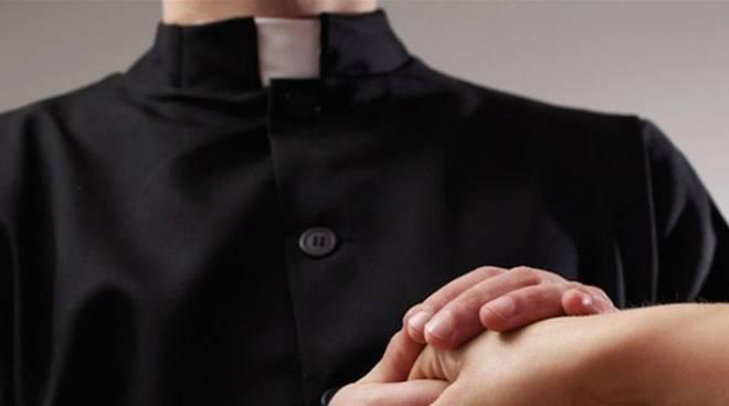 Prete pedofilo sotto il Vesuvio, il Vaticano non punirà il sacerdote che vive a San Giuseppe Vesuviano e si affida al tribunale ordinario