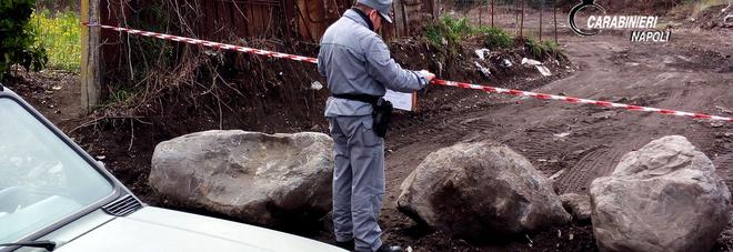 Rifiuti speciali nel parco del Vesuvio: a Pollena Trocchia sequestrata area di 20mila metri quadri