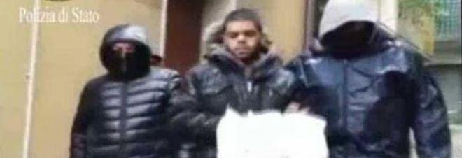 Documenti a favore dell'Isis su Internet, arrestato 23enne marocchino: perquisizioni anche a Napoli, Roma, Milano, Modena, Bergamo e Reggio Emilia