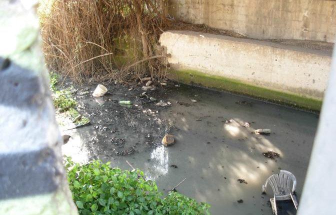 Tremila metri cubi di rifiuti nel fiume Sebeto: arrestati due fratelli