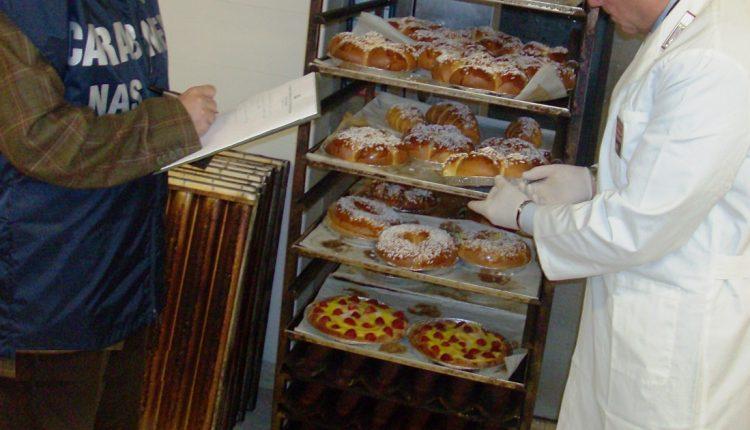 Maxi sequestro di dolci: 400 chili di pasticcini senza rintracciabilità