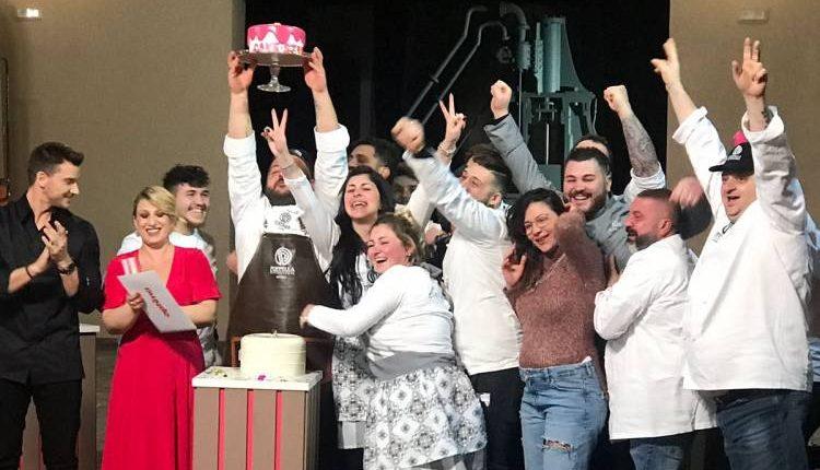 The Winner Is: Ciro Poppella. Il pasticciere della Sanità ha vinto l'ultima puntata di Cake Star su Real Time e ha devoluto l'incasso ai bimbi del Santobono