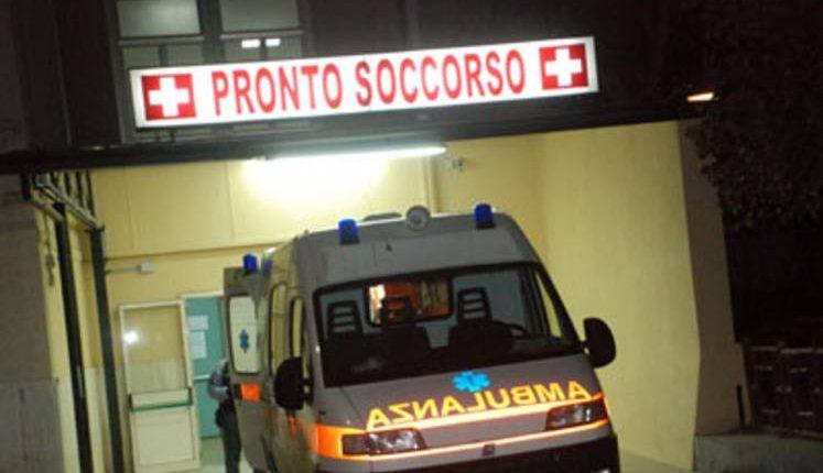 Ambulanza, ipotesi violenza privata:identificati sei giovani tutti maggiorenni, indagini in corso