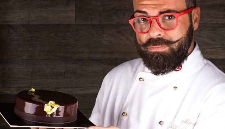Cioccolato, che passione!Le creazioni delmaitre chocolatierMario di Costanzo:tavolette di fondente al rosmarino, scaglie di cioccolato pret-a-porter e cioccolatinilimited editional pomodoro e basilico