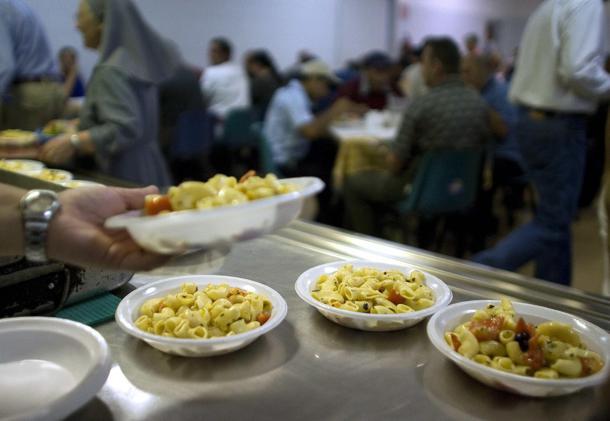 Ottaviano, la Giunta Capasso rinnova la convenzione con la Caritas per aiuto ai senzatetto
