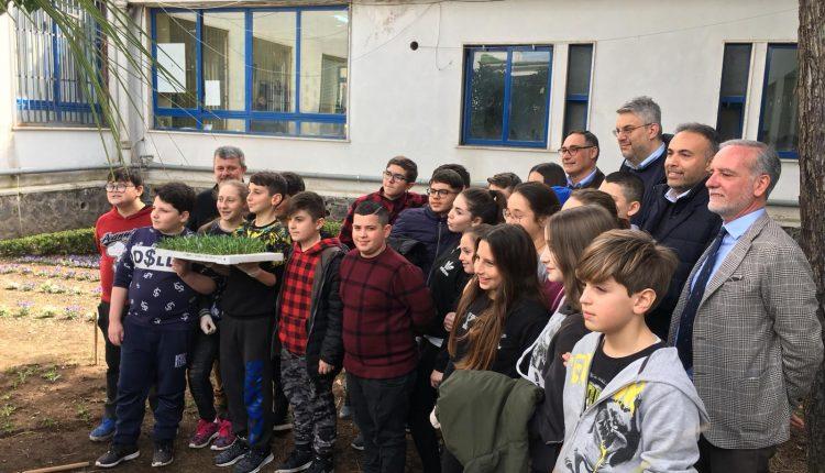 A San Giorgio a Cremano, la biodiversità agraria entra a scuola: inaugurato il primo orto didattico con l'indennità del presidente del consiglio comunale
