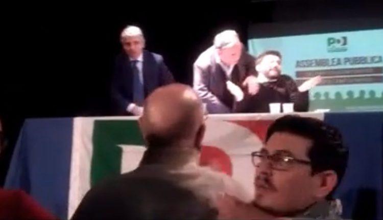 L'assemblea del Pd Napoli finisce in rissa: interviene la polizia