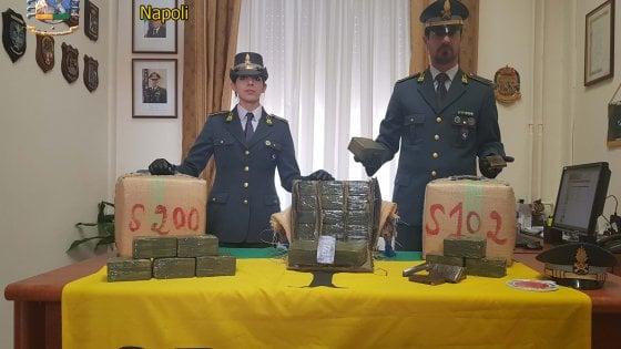 Sequestro di droga al cimitero: il blitz della Guardia di Finanza