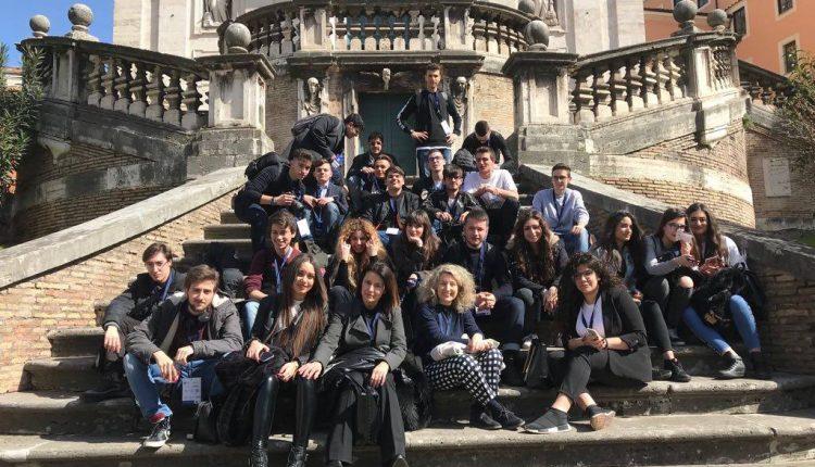 """Le telecamere di RAI 3 in visita al Liceo Di Giacomo: la puntata del programma """"Telecamere a scuola""""  andrà in onda a maggio"""