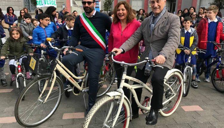 A Cercola, grande successo per la pedalata ecologica in città organizzata dal Comune
