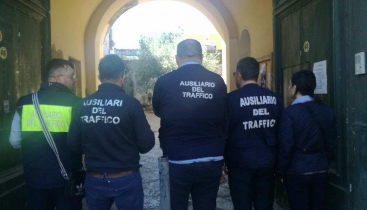 Strisce blu, con la mediazione del Comune rientra lo sciopero a Somma Vesuviana