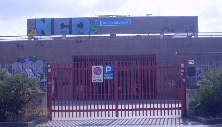 Ponticelli – La EAV emana un bando per la stazione di Vesuvio-De Meis, da anni in balia del degrado