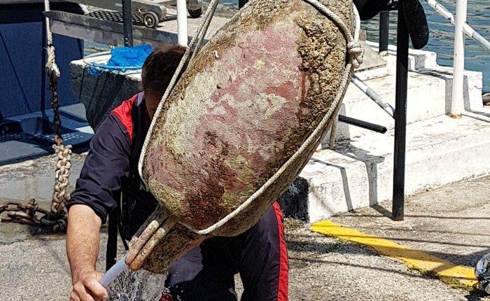 Recuperata a Napoli anfora I secolo d.C. Icarabinieri la reperiscono nelle acque antistanti la Riviera di Chiaia
