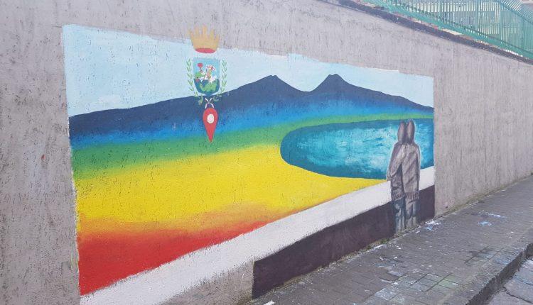 NELLA CITTA' DI TROISI – La scritta contro gli inviati di Striscia la Notizia diventa un murale realizzato dai bambini. Lunedì Abete e Brumotti inaugurano l'opera