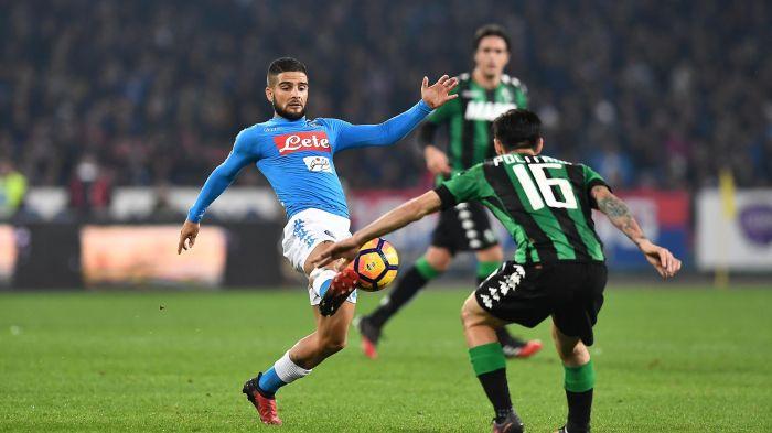 Napoli-Sassuolo, finisce in pareggio:Neroverdi avanti con Politano, l'autogol Rogerio salva Sarri