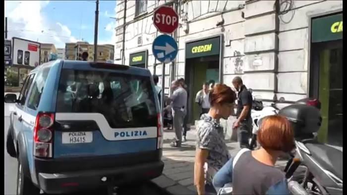 Rapina alla filiale Credem di Portici: clienti e impiegati presi in ostaggio