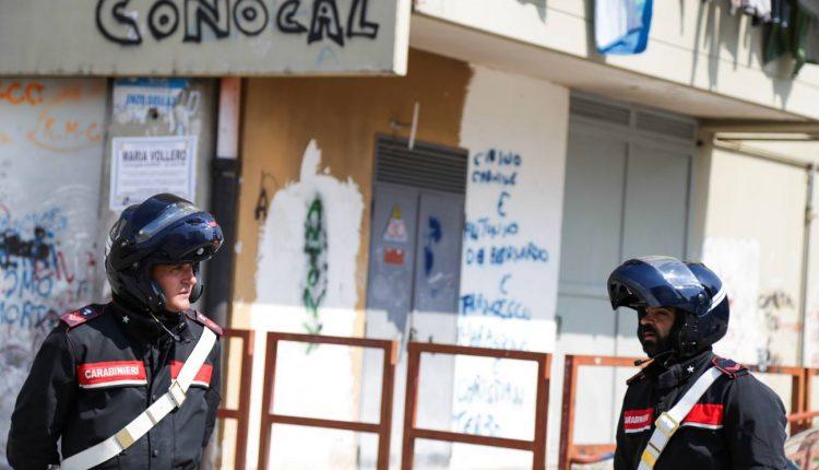 Napoli, stesa contro un edificio nel Conocal, indagini della polizia