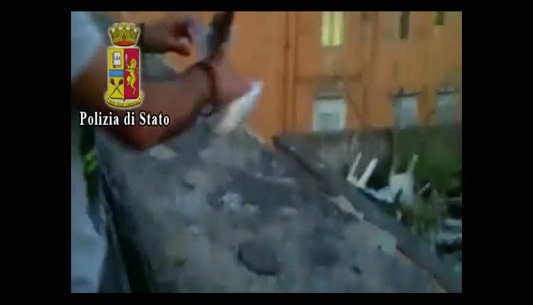 NEL QUADRILATERO DELLE CARCERI – Gli spacciatori e la droga pescata con le canne: