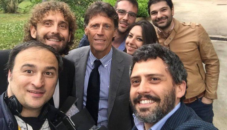 Il sindaco di Portici mantiene la promessa: agli studenti Porticesi borse di studio per 5 mila euro l'anno che l'ex senatore anticipa aspettando la pensione da parlamentare