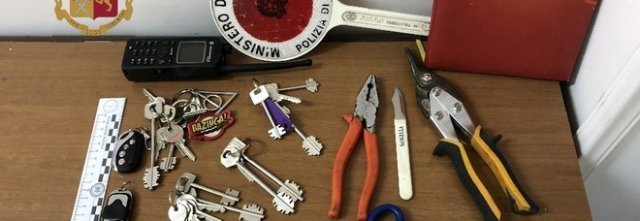 A San Giorgio a Cremano, due persone denunciate per ricettazione e possesso ingiustificato di chiavi