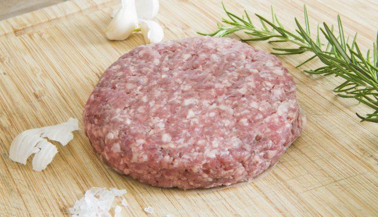 Nasce il primo hamburger di Simmental:l'idea di Antonio Di Sieno, macellaio 3.0 che coniuga la tradizione con l'innovazione