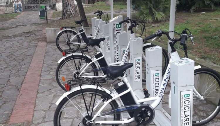 Tenta di rubare un bicicletta elettrica a Portici, preso e denunciato da un poliziotto fuori servizio