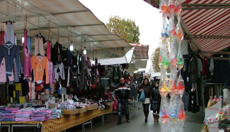 Pomigliano d'Arco – Troppi rifiuti nell'area mercatale: sospeso il mercato del giovedì