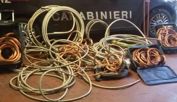 Rubano 500 metri di cavi di rame in un cantiere: due in arresto