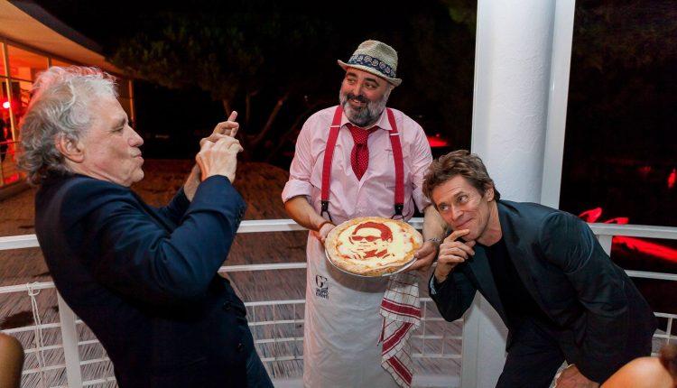 OLTRE I CONFINI DEL VESUVIO – Fofò Ferriere porta in tavola le eccellenze della nostra terra tra attori e registi internazionali